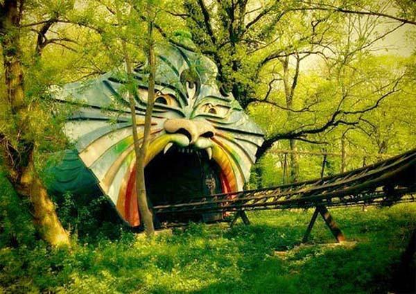 Parques de atracciones abandonados 419