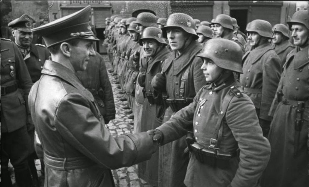 Fotografías de la Segunda Guerra Mundial y su historia 43C