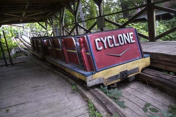 Parques de atracciones abandonados B79