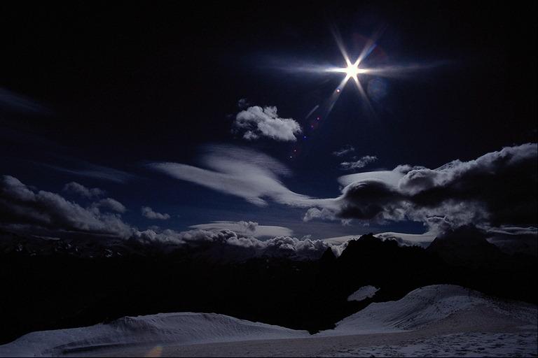 Pogled u noc Noc12