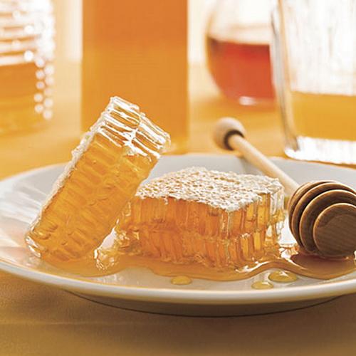 العسل أفضل غذاء للأطفال والشباب والكبار،  2143234