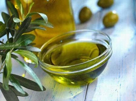 عالج نفسك بزيت الزيتون  Olive-02
