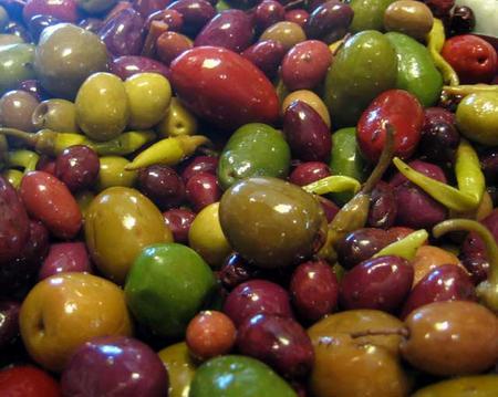 عالج نفسك بزيت الزيتون  Olive-03