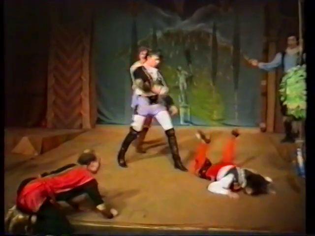 «Двенадцатая ночь» по пьесе У.Шекспира - выпуск СГбГАТИ, 6 мая 1990 г (видео, скрины) 23bd6