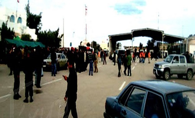 Bruits de guerre : 3000 Libyens entrés en Tunisie en 24 heures Ras_jdir-10-1