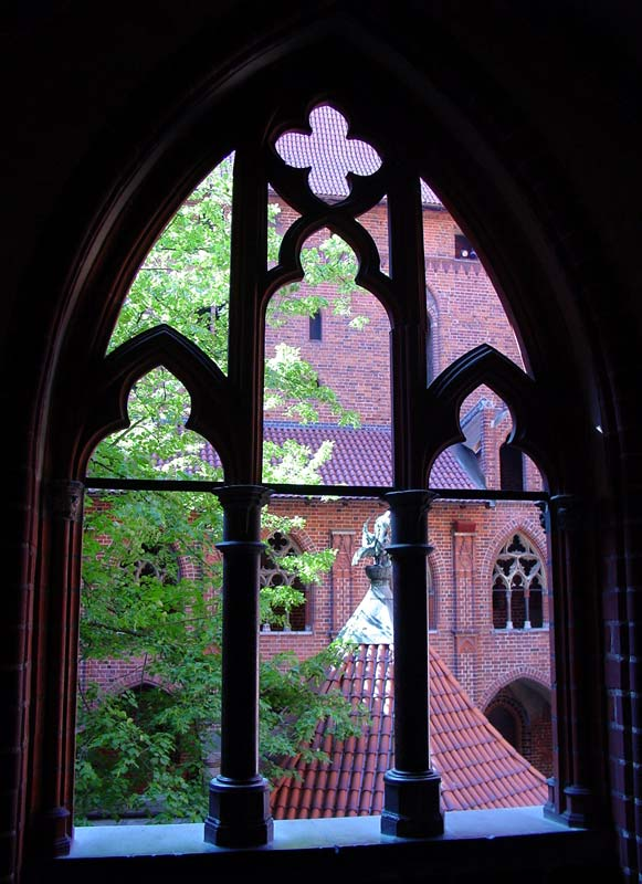 Ring of Power Window-in-teutonic-knights%27