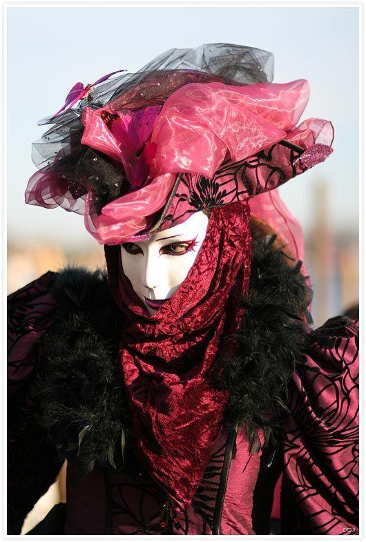 masque venitiens de la Comedia 3xn62ge2