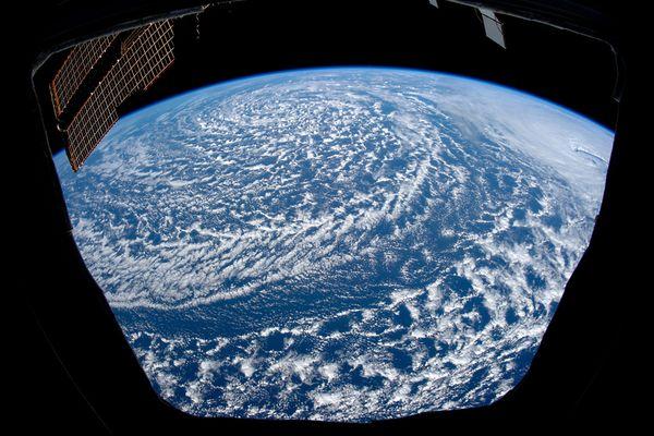 Pianeti e loro satelliti - Pagina 2 100411vutru05