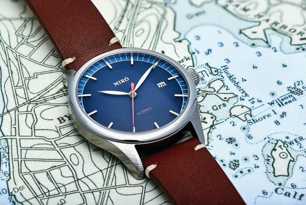 Đồng hồ Thuỵ Điển tôn vinh vẻ đẹp đàn ông Photo-1-1455508701639