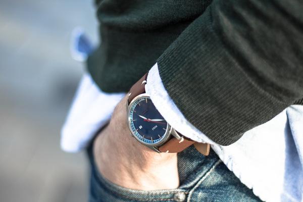 Đồng hồ Thuỵ Điển tôn vinh vẻ đẹp đàn ông Photo-1-1455508788617