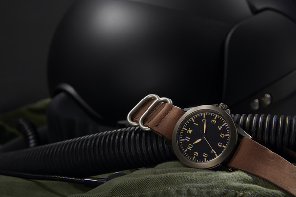 Mẫu đồng hồ phi công giá rẻ cho bạn 800f2bc9dfaf032f7b3f2c412f0e6c27_original-0d9f2