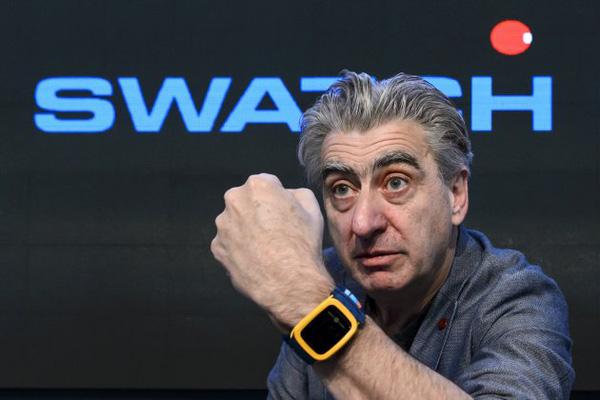 Đồng hồ thông minh với pi siêu lâu Swatch 150508tekswatch2-02bae
