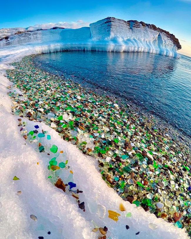 Hàng triệu mảnh thủy tinh bị vứt xuống biển, 10 năm sau điều không ai ngờ đến đã xảy ra Photo-3-1486459118820