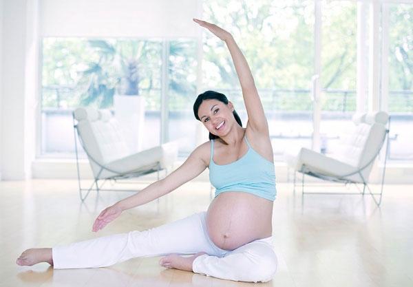Cách giảm cân sau khi sinh con nào tốt nhất hiện nay Phuong-phap-giam-can-hieu-qua-va-an-toan-cho-ba-bau-tap-the-duc