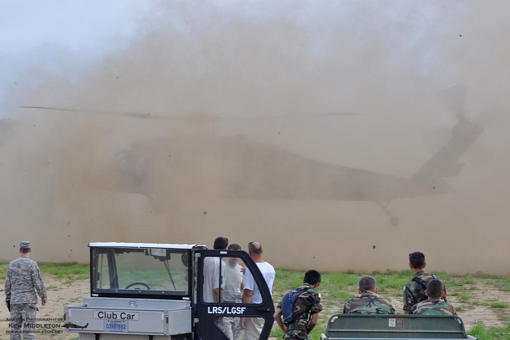 B.I.P أبطال العالم المغاربة( المضليين) UH-60_27013_Leapfest_6August2011_KenMiddleton_4x6_web_DSC_3607