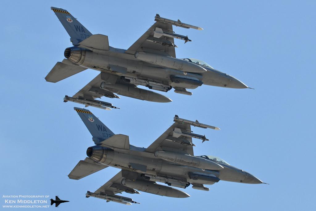 F-16 around the world - Page 29 F-16C_900729_900721_KLAS_10November2012_KenMiddleton_4x6_web_DSC_0983