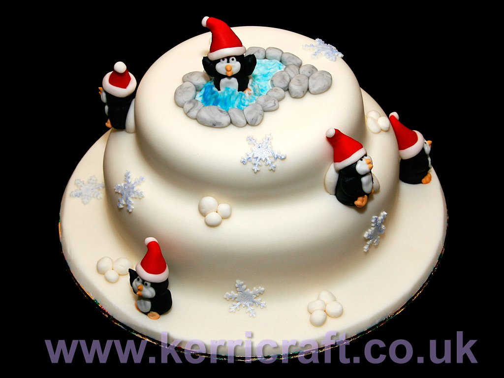 عيد ميلاد مشير غسان فلندخل جميعا ونتمنى له عمرا مديدا مملوء بالنجاح والسعادة والامان والمحبة Penguin-christmas-cake
