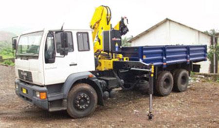 betoniere autobetoniere pompe calcestruzzo Truck-Mounted-Crane
