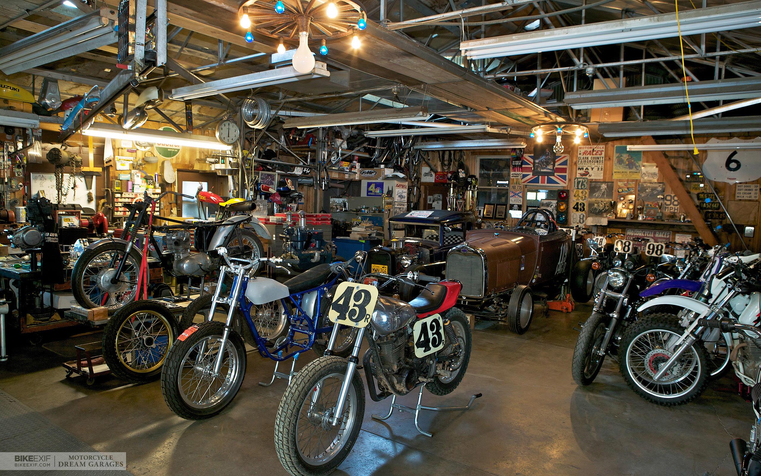 Pogled u garažu snova Wallpaper_013_2560x1600