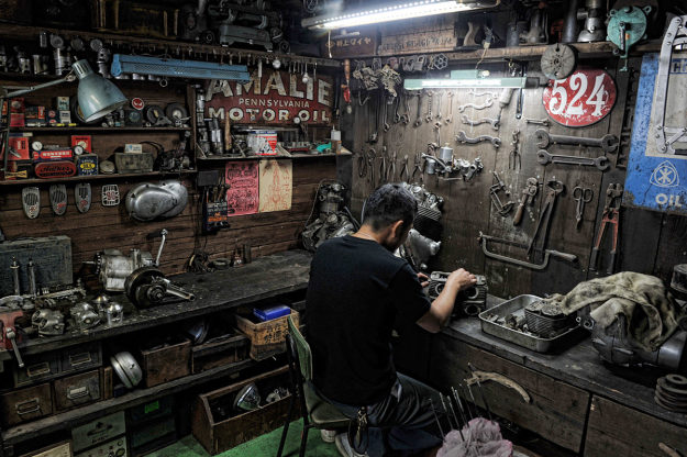 Japanese touch - Page 2 Heiwa-motorcycle-workshop-625x416