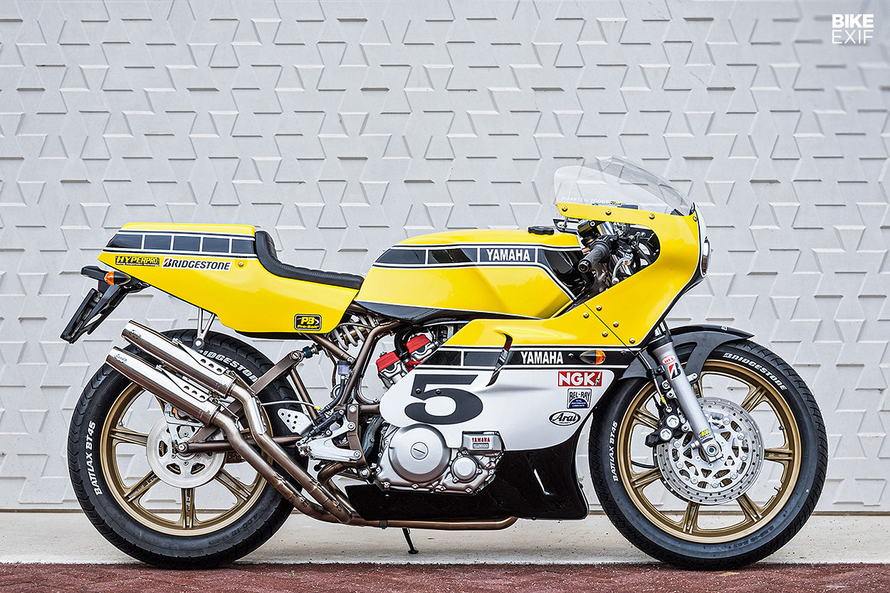 Racer, Oldies, naked ... TOPIC n°3 - Page 23 Yamaha-xz-550-restomod