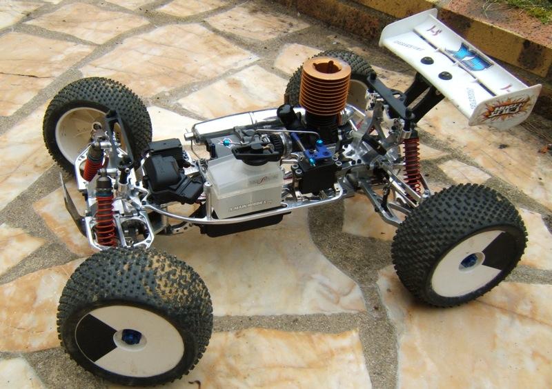 UE / dace prédator: 2 type de chassis!!!!!!!!!!! DSCF5027
