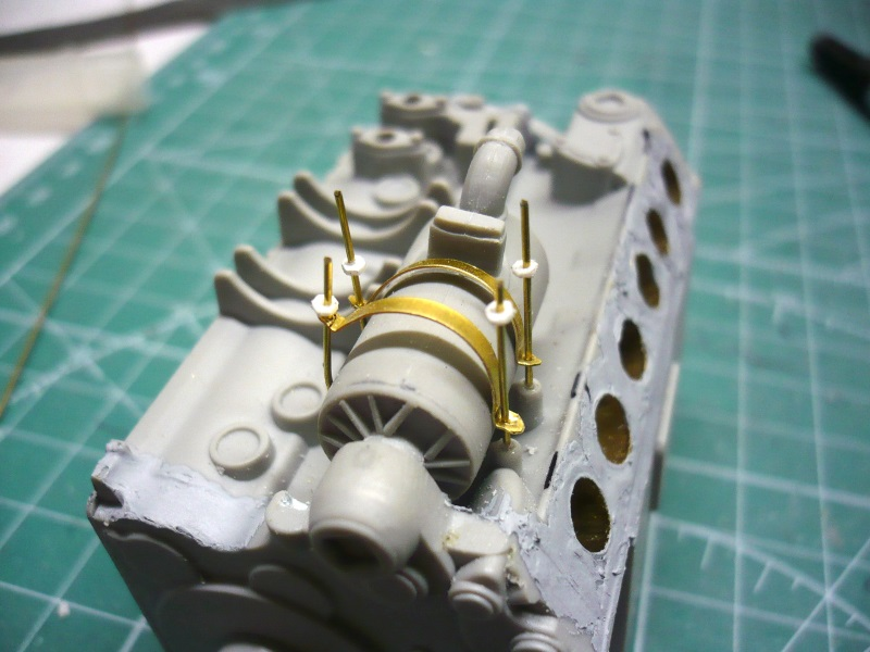 182 King Tiger 2 in 1 - TRUMPETER 00910 - 1/16ème - Page 5 Alternateur-nouveau-support
