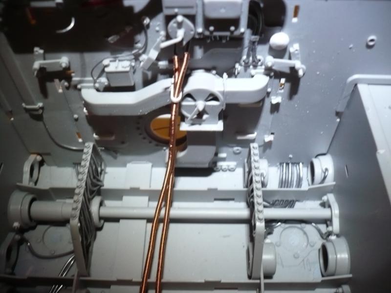 182 King Tiger 2 in 1 - TRUMPETER 00910 - 1/16ème - Page 2 Ligne-de-lubrification-2