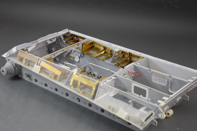 182 King Tiger 2 in 1 - TRUMPETER 00910 - 1/16ème - Page 29 Support-10a