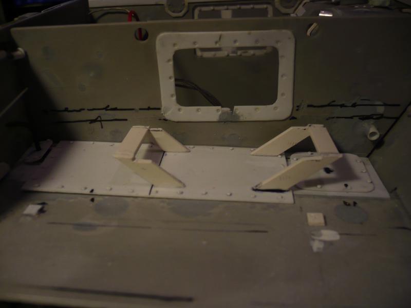 182 King Tiger 2 in 1 - TRUMPETER 00910 - 1/16ème - Page 4 Support-ventilateur