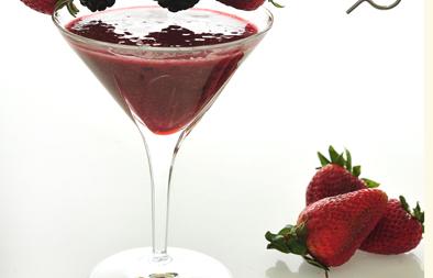 عصير فراولة وتوت وعنب الديب Ac33_111