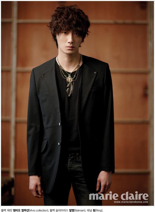 "Jung Il Woo posa para ""Singles"" y ""Marie Claire"" 67f08c278cef8d4b0bc746b08a809080_large"