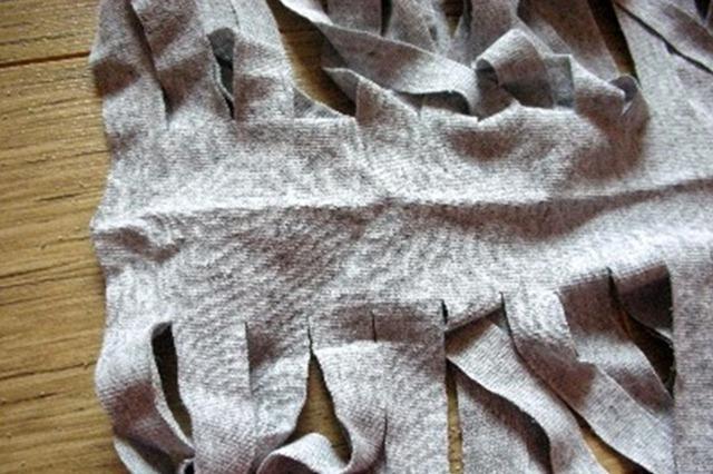 Как сделать пряжу из трикотажной футболки Tayra20100630_072824