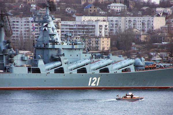 Тем временем в России и мире - Страница 34 Raketnyj-krejser-moskva-fman-cheomoro-f-02