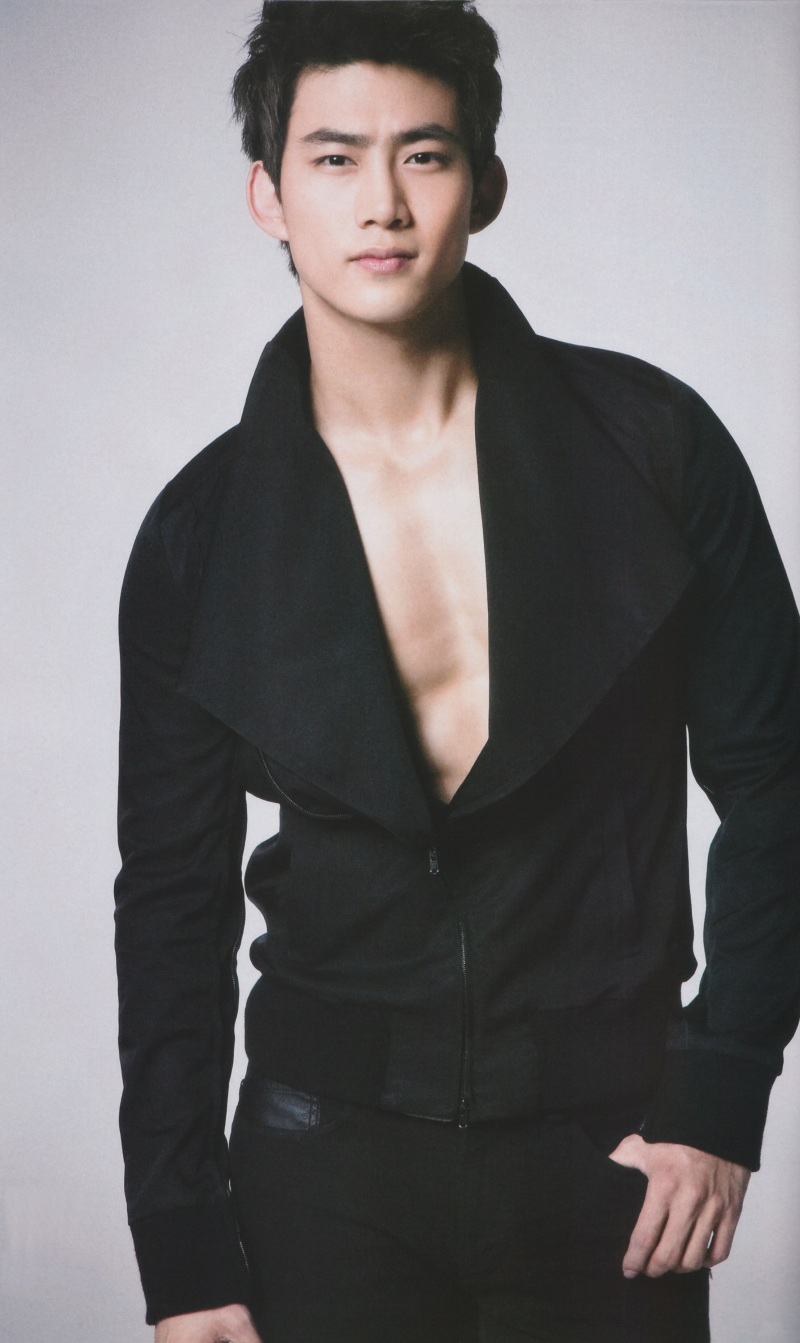 صور ابطال مسلسل حلم الشباب 2pm-anan-magazine-ax3-taecyeon