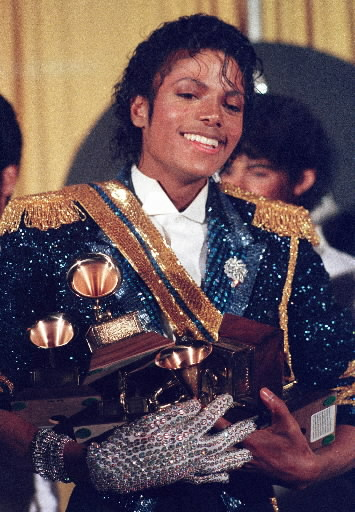 MJ protagonista del Libro Guinness World Records 2012 Michael-jackson-1984-grammys