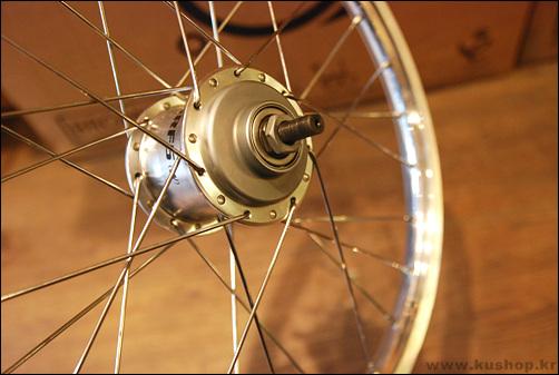 Rayonner les roues : outils et techniques - Page 5 DSC_0017