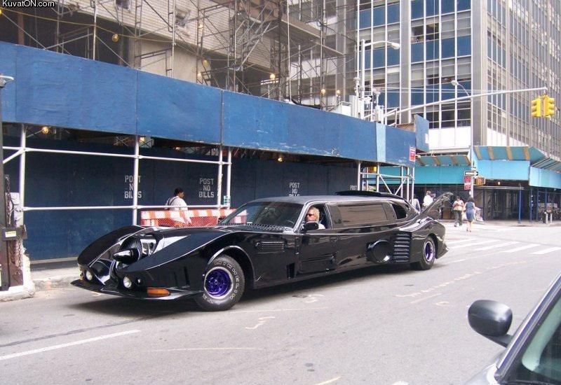 L'univers des Geeks - Page 4 Batmobile2