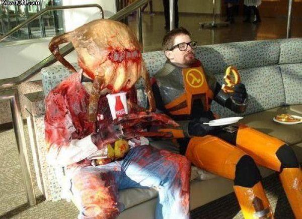 L'univers des Geeks - Page 2 Half-life_costumes