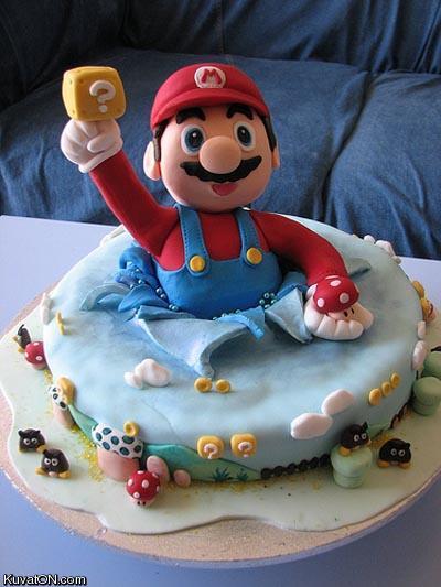 L'univers des Geeks - Page 2 Mario_cake