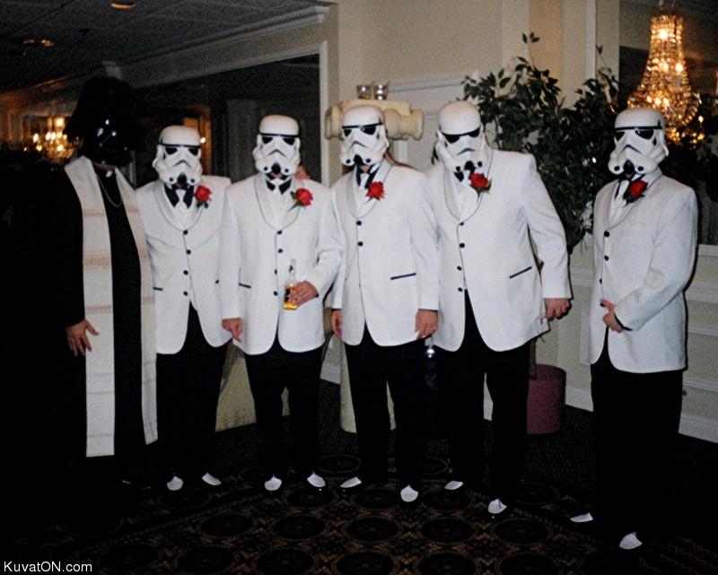 L'univers des Geeks - Page 3 Starwars_wedding