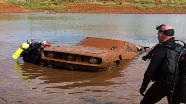 two cars found in lake, one is 69 camaro 23459758_BG4