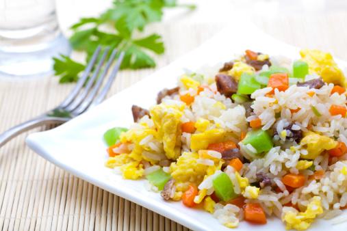 اكله صينيه رز مقلي بالبيض 141325022-jpg_074538