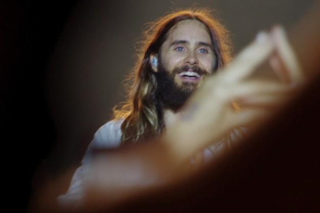 RETOUR PRESSE de la tournée d'été 2014 de 30 SECONDS TO MARS 30-Seconds-To-Mars-Jared-Leto-Vieilles-Charrues-La-D%C3%A9viation-e1405961815296-625x417
