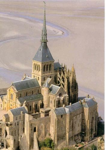 """""""Voici donc treize siècles que le Mont-Saint-Michel existe ! Treize siècles d'histoire. Treize siècles de vie religieuse, politique et militaire 1248894594"""