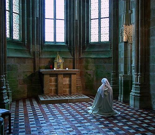 """""""Voici donc treize siècles que le Mont-Saint-Michel existe ! Treize siècles d'histoire. Treize siècles de vie religieuse, politique et militaire 421542713"""
