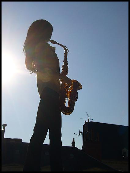 [Chanson d'ami] L'homme au saxophone p.2 - Page 2 01