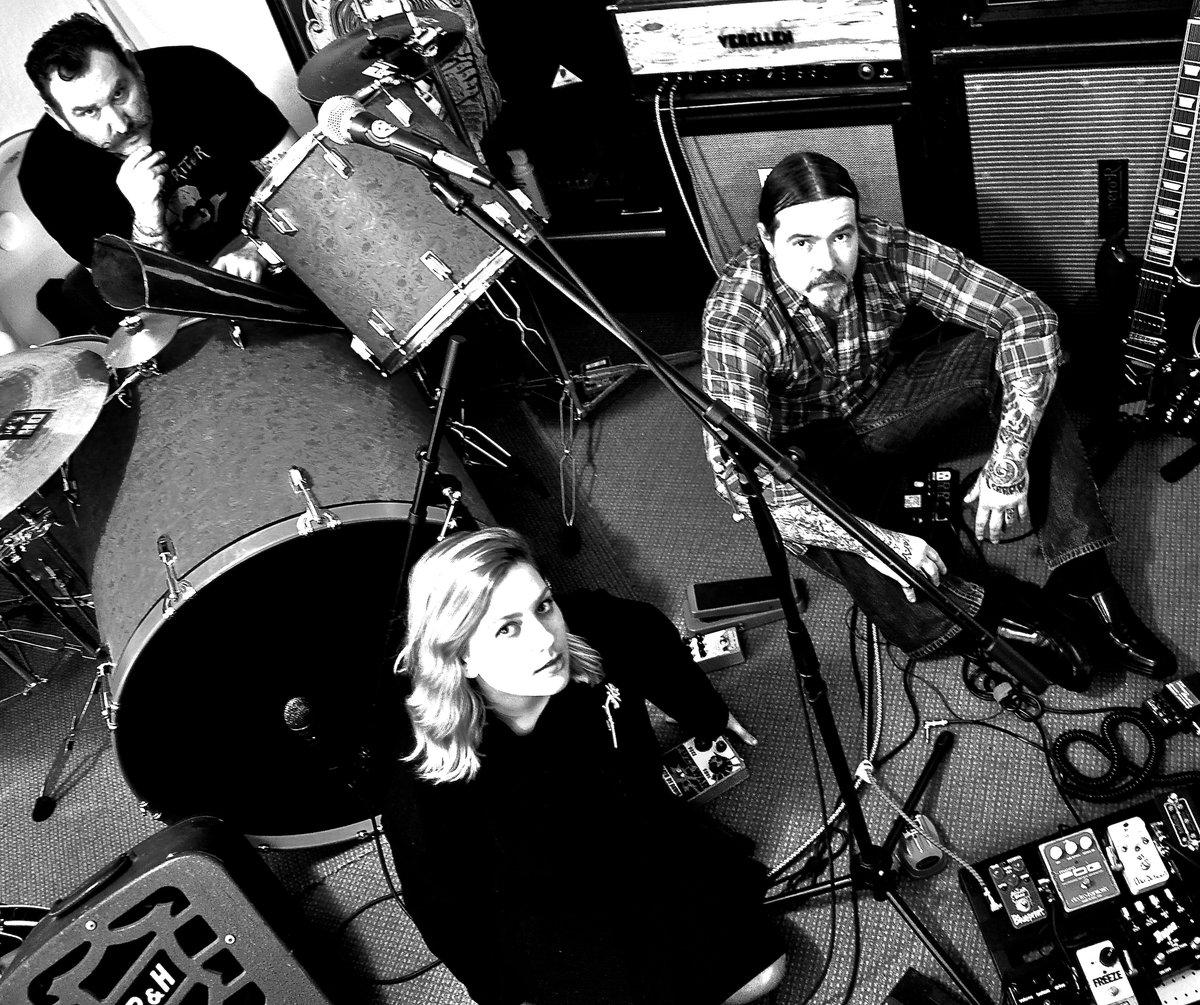 Stoner Rock desértico (o no) - Página 10 The-Bad-Light-Band