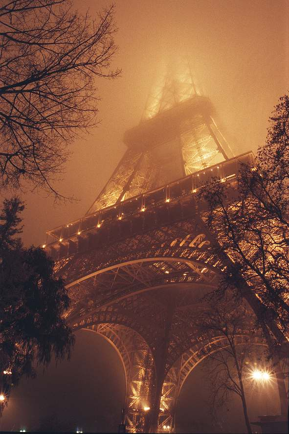 ------* SIEMPRE NOS QUEDARA PARIS *------ - Página 17 Eiffel