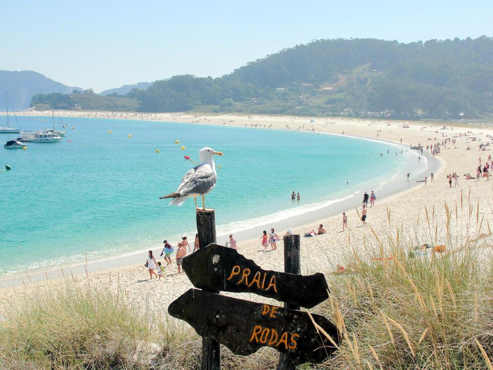 Cantabria. Sitios molones. - Página 6 Playa-rodas-islas-cies-galicia-1